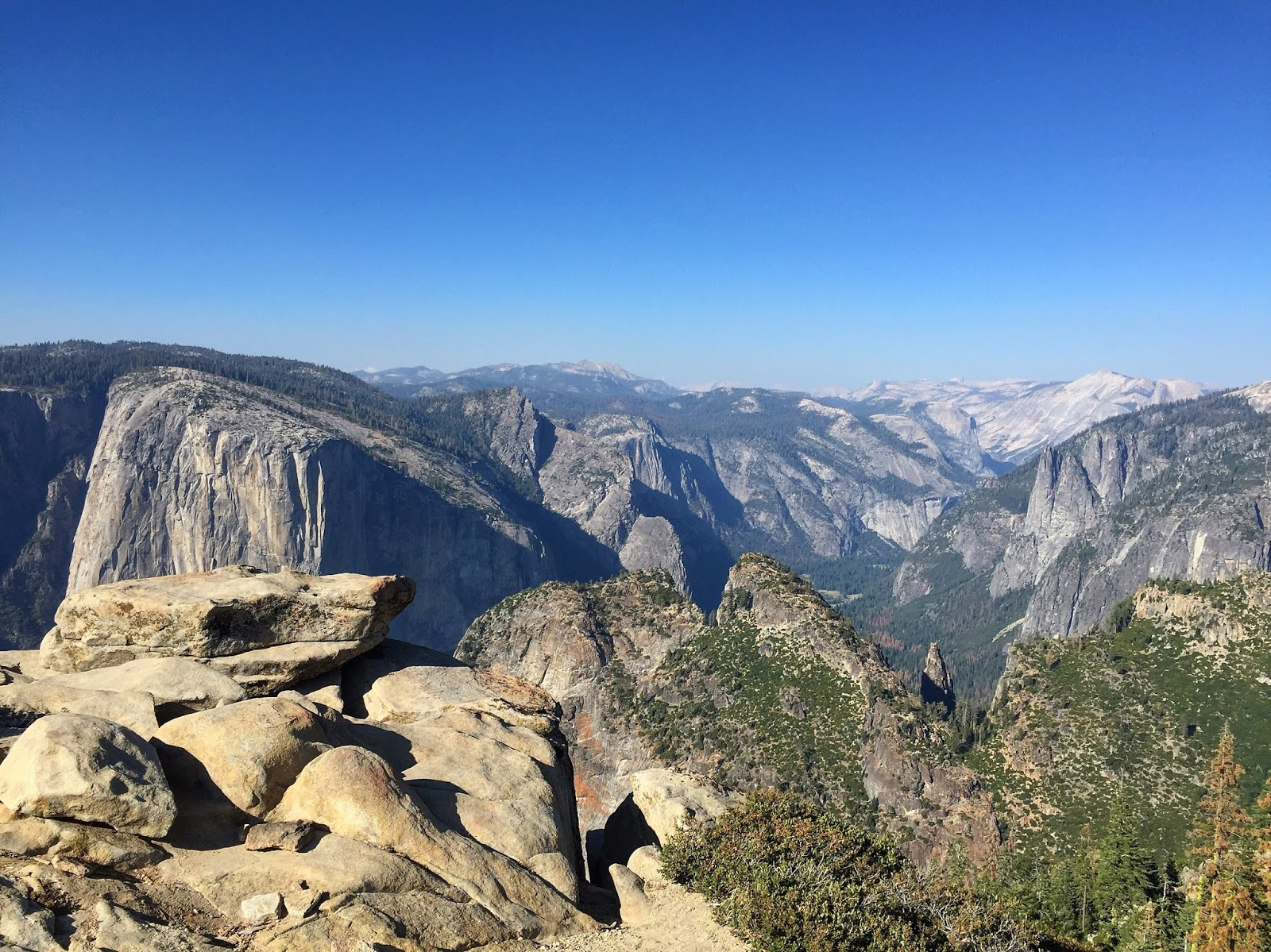 Yosemite hiking guide